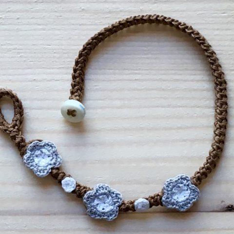 Braunes Armband mit Blume Silber Grau